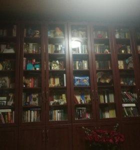 Шкафы книжные. В отличном состоянии. 5 штук