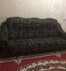 Диван и ковёр