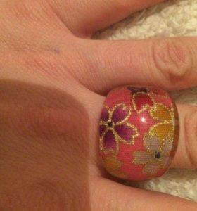 Новое красивое кольцо 17,5-18 размер.