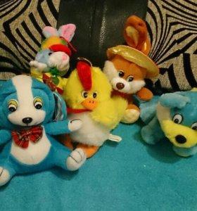 Мягкие игрушки разные, собачки