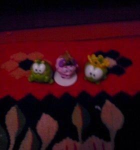 Игрушки амнямы и смешарик