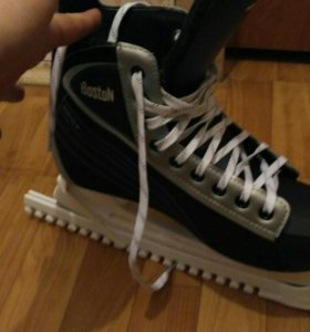 Коньки хоккейные 43 размер