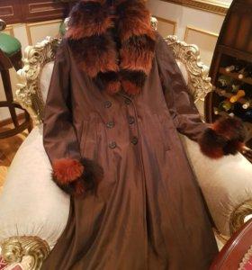 Теплое пальто с меховой подкладкой