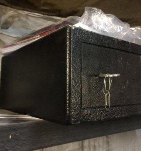 Сейф мебельный СШ-181.М01