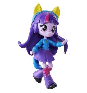 Искорка. Hasbro Мини-кукла Equestria Girls