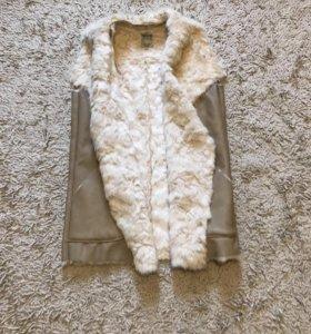Новый меховой жилет Zara