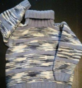 Новый вязаный свитер.