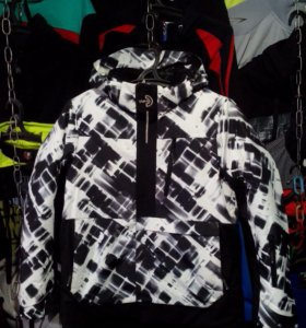 Куртки горнолыжные. Магазин. Теплые. Новые.