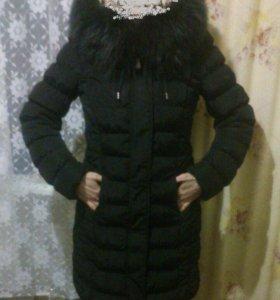 Пуховик удлинённый с капюшоном. Зима.