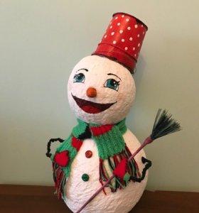 Снеговики, поделки для детского сада или школы