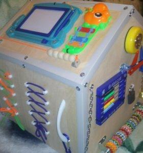 Бизиборд-домик. Удиви ребёнка