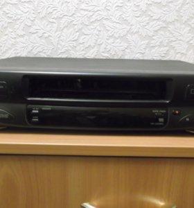 кассетный видеомагнитофон JVC
