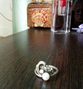 Кольцо с жемчугом. Серебро.