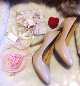 Туфли женские, бежевые. Новые