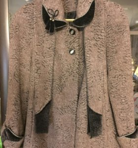 Пальто женское 48 размера