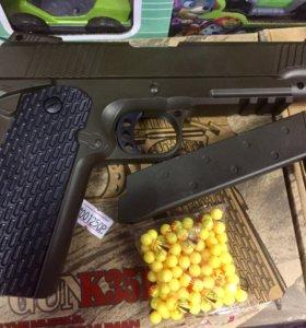 Пистолет металл ( игрушка) Кольт
