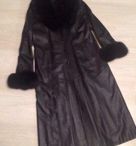 Пальто кожаное с мехом
