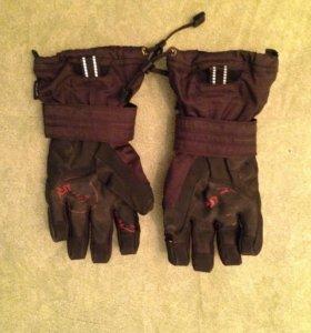 Перчатки сноубордические с защитой