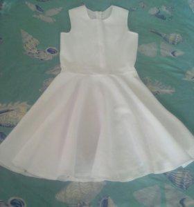 Платье на девочку 5-7лет