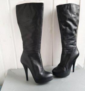 Женские кожаные сапоги 36 размер