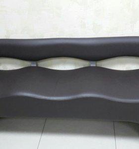 Продаю диван - офисный коричневый