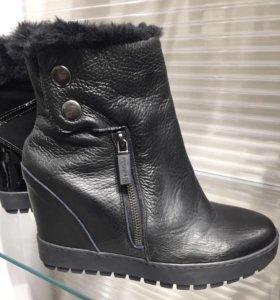 Женские зимние ботинки Baldinini