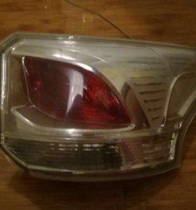 фонарь правый на митцубиси аутлендер 3 2012-2014