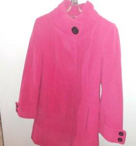 Утепленное пальто р.44