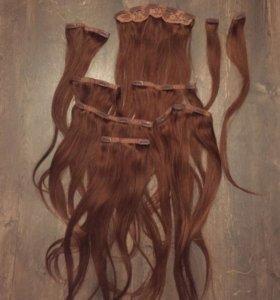 Натуральные волосы на заколке