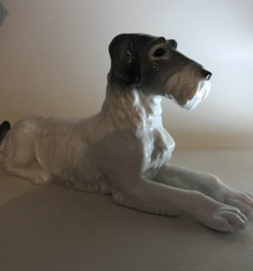 Фарфоровая собака