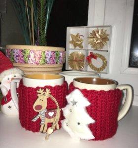 Кружки с декором новогодние в вязаном чехле