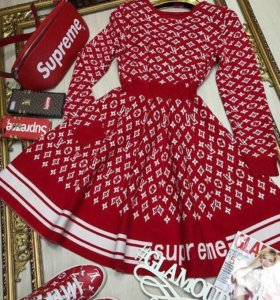 Платье Supreme
