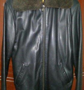 Продается мужская кожаная куртка