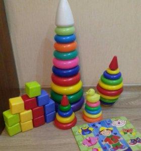 Развивалки: пирамидки и кубики