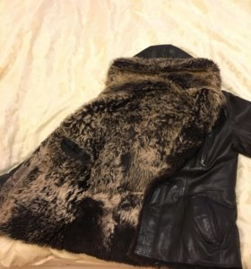 Куртка кожаная из меха тасканы