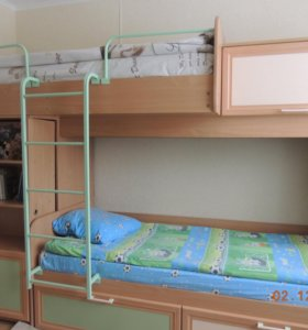 Кровать двухъярусная+шкаф