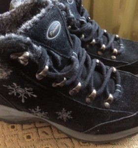 Ботинки зимние 35 размер