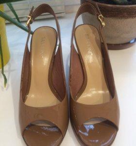 Туфли открытые Basconi