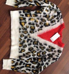 Новый тёплый оригинальный свитер