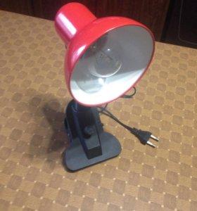 Продам лампу настольную