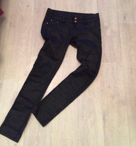 Чёрные джинсы skinny 44-46