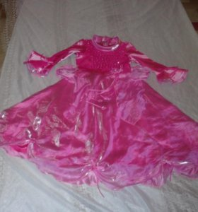 Продам праздничное платье(розовое)