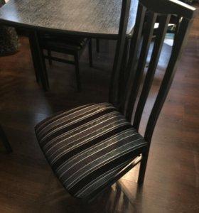 Обеденная группа . Стол и 6 стульев.