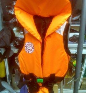 Спасательный жилет до 20 кг.