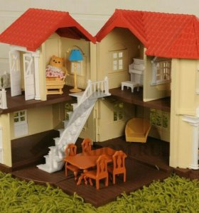 Дом для животных с мебелью. В идеальном состоянии