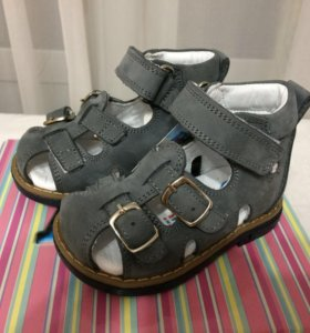 Новые сандали Perlina 20 размера
