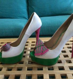 Туфли яркие