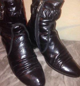 Зимние лаковые ботинки