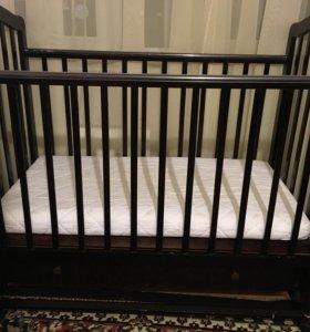 Кроватка детская с вместительным ящиком