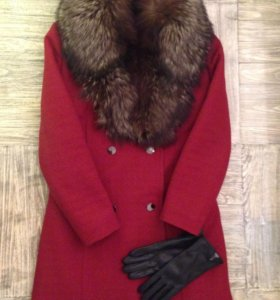 Винтажное пальто цвета марсала